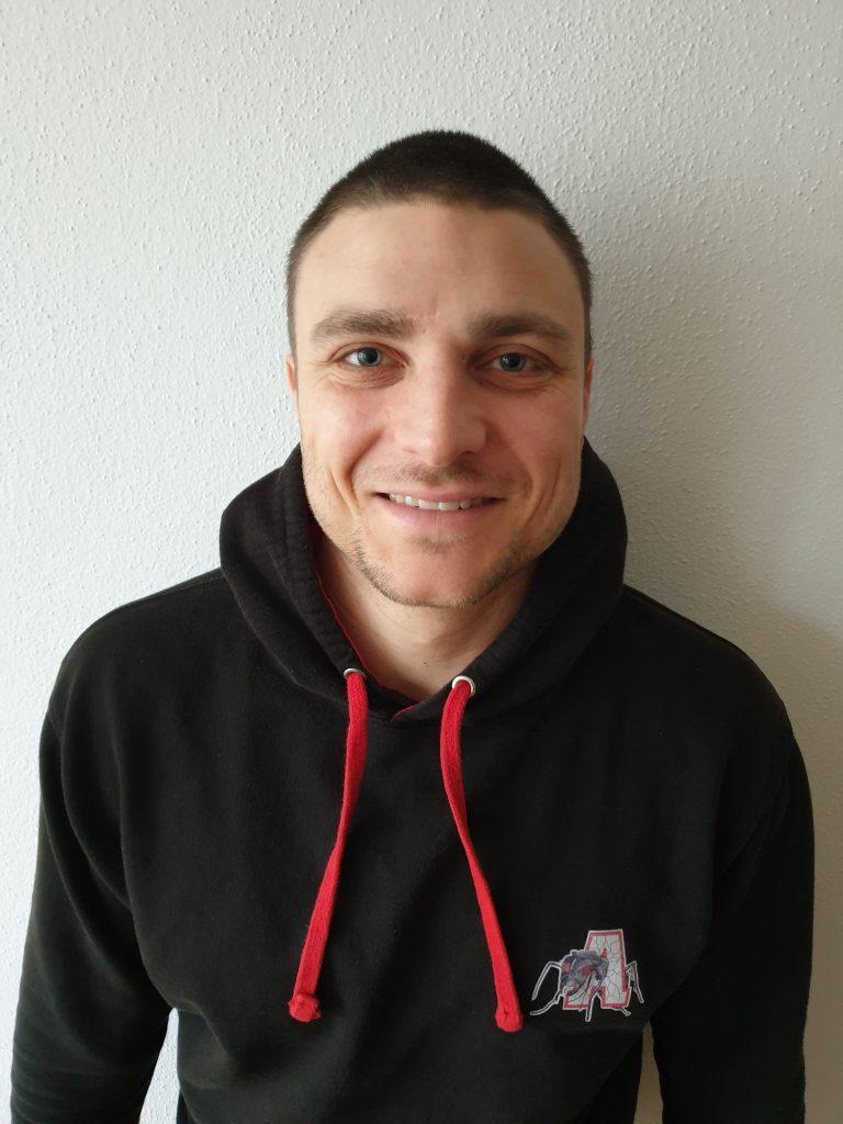 DB Benjamin Achter